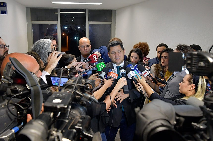 Presidente do Senado, senador Davi Alcolumbre (DEM-AP) concede entrevista.  Foto: Marcos Brandão/Senado Federal
