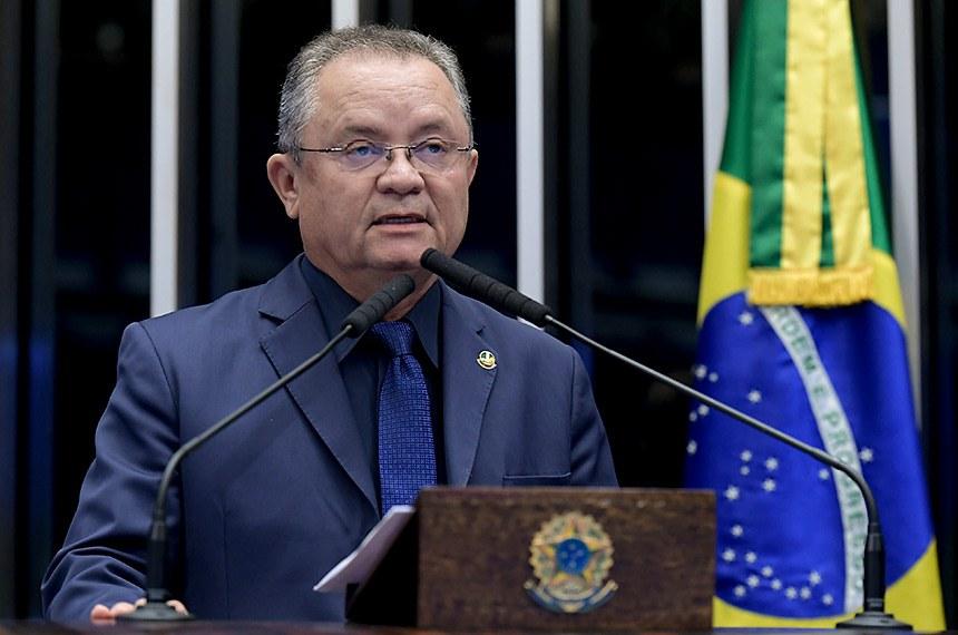 Plenário do Senado Federal durante sessão não deliberativa.   Em discurso, à tribuna, senador Zequinha Marinho (PSC-PA).   Foto: Waldemir Barreto/Agência Senado