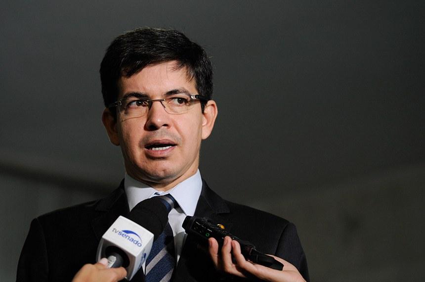 Senador Randolfe Rodrigues (Rede-AP) concede entrevista.  Foto: Edilson Rodrigues/Agência Senado