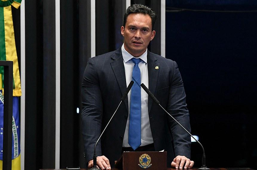 Plenário do Senado Federal durante sessão deliberativa ordinária.   Em discurso, à tribuna, senador Styvenson Valentim (Podemos-RN).  Foto: Jefferson Rudy/Agência Senado