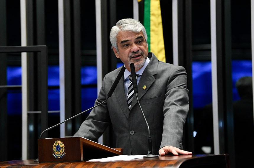 Plenário do Senado Federal durante sessão não deliberativa.   À tribuna, em discurso, senador Humberto Costa (PT-PE).  Foto: Jefferson Rudy/Agência Senado