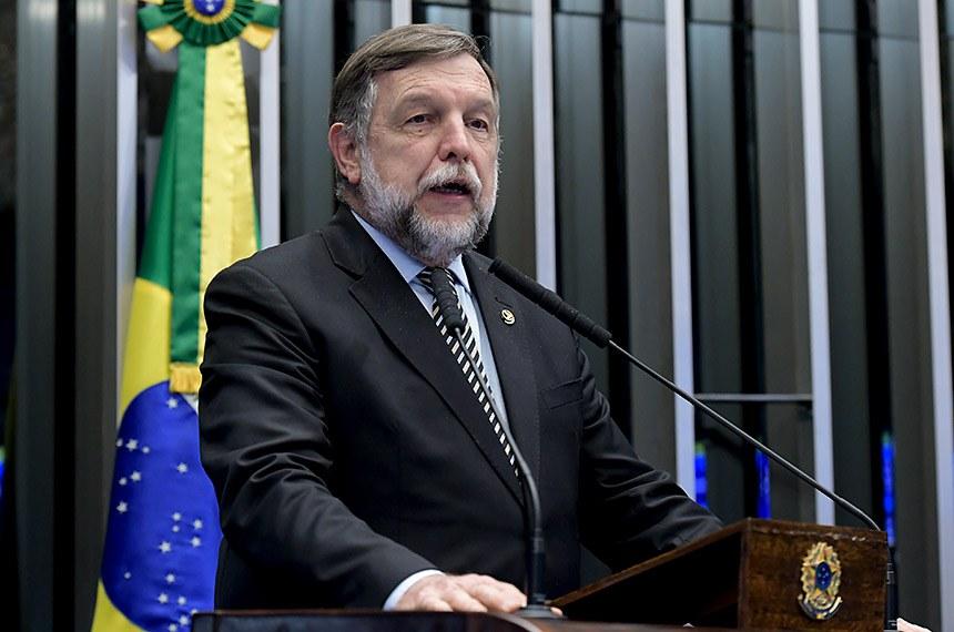 Plenário do Senado Federal durante sessão deliberativa ordinária.   Em discurso, à tribuna, senador Flávio Arns (Rede-PR).  Foto: Waldemir Barreto/Agência Senado