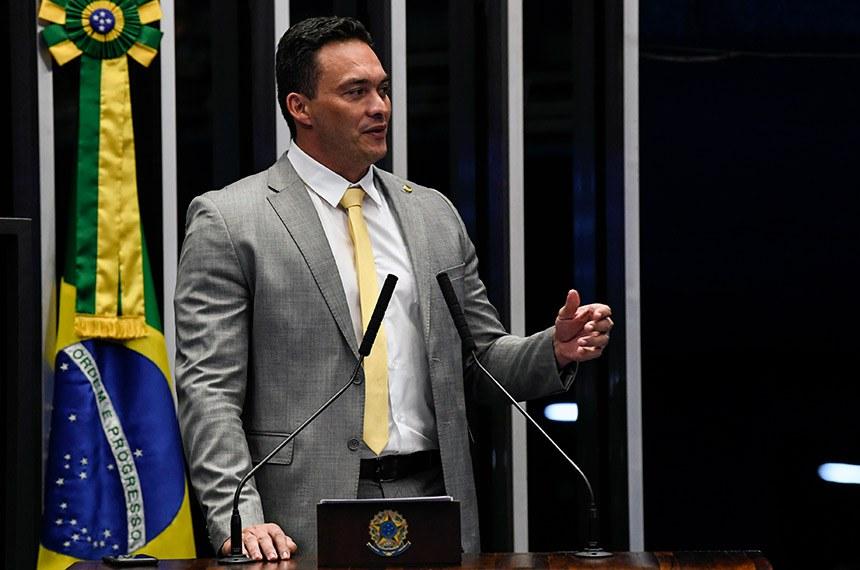 Plenário do Senado Federal durante sessão não deliberativa.   À tribuna, em discurso, senador Styvenson Valentim (Podemos-RN).  Foto: Jefferson Rudy/Agência Senado