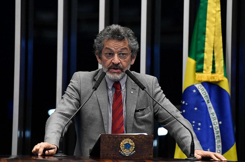 Plenário do Senado Federal durante sessão não deliberativa.   Em discurso, à tribuna, senador Paulo Rocha (PT-PA).  Foto: Edilson Rodrigues/Agência Senado