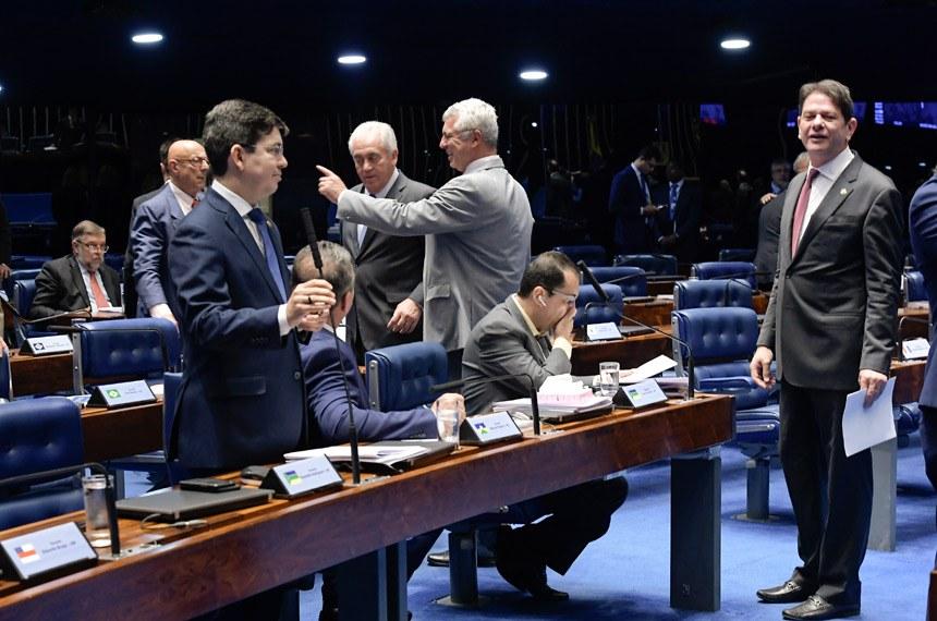 Plenário do Senado Federal durante sessão deliberativa ordinária. Ordem do dia.   Participam:  senador Cid Gomes (PDT-CE);  senador Esperidião Amin (PP-SC);  senador Jorge Kajuru (PSB-GO);  senador Lucas Barreto (PSD-AP);  senador Major Olimpio (PSL-SP);  senador Otto Alencar (PSD-BA);  senador Randolfe Rodrigues (Rede-AP).  Foto: Waldemir Barreto/Agência Senado