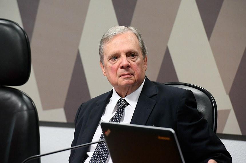 Comissão de Constituição, Justiça e Cidadania (CCJ) realiza reunião deliberativa para análise da PEC 6/2019, que modifica o sistema de previdência social.  À mesa, relator da PEC 6/2019, senador Tasso Jereissati (PSDB-CE).  Foto: Marcos Oliveira/Agência Senado