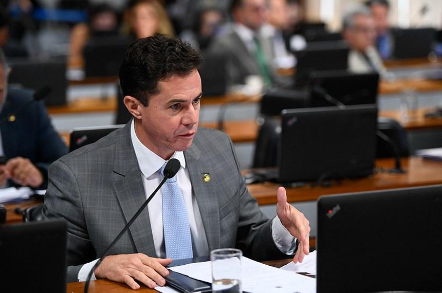 Comissão de Constituição, Justiça e Cidadania (CCJ) realiza reunião deliberativa para análise da PEC 6/2019, que modifica o sistema de previdência social.  Em pronunciamento, senador Veneziano Vital do Rêgo (PSB-PB).  Foto: Marcos Oliveira/Agência Senado