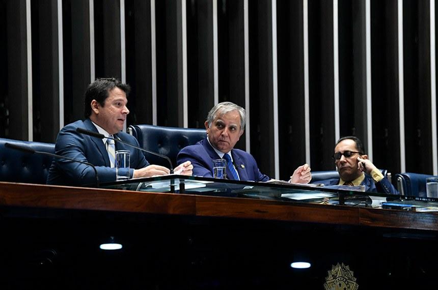 Plenário do Senado Federal durante sessão deliberativa ordinária. Ordem do dia.   Mesa: senador Reguffe (sem partido-DF); senador Izalci (PSDB-DF);  senador Jorge Kajuru (Patriota-GO).  Foto: Jane de Araújo/Agência Senado