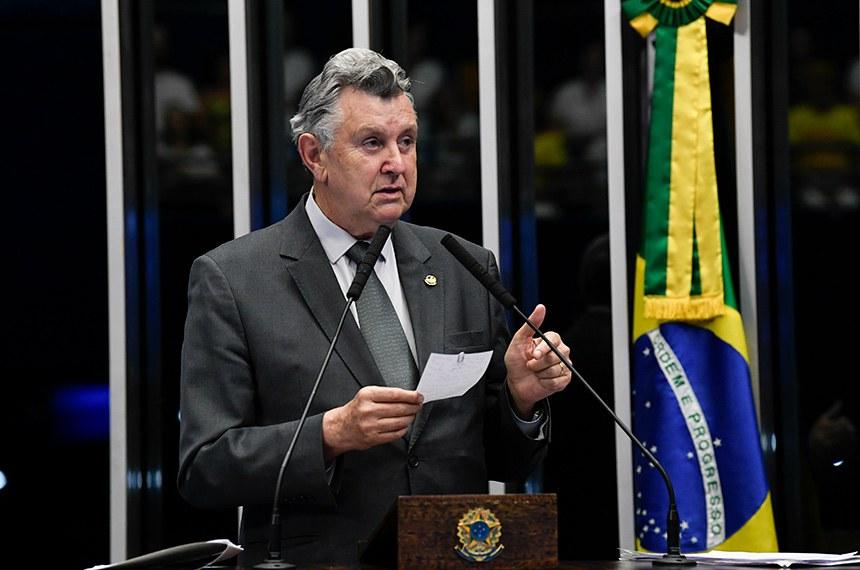 Plenário do Senado Federal durante sessão deliberativa ordinária.   À tribuna, em discurso, senador Luis Carlos Heinze (PP-RS).  Foto: Jefferson Rudy/Agência Senado