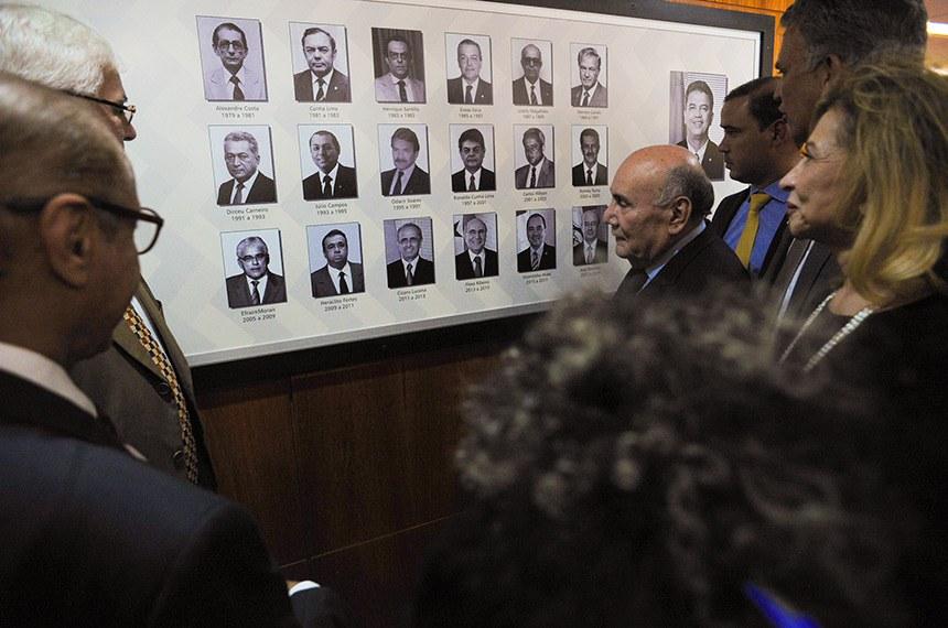 Homenageados inauguram galeria de ex-primeiros-secretários do Senado