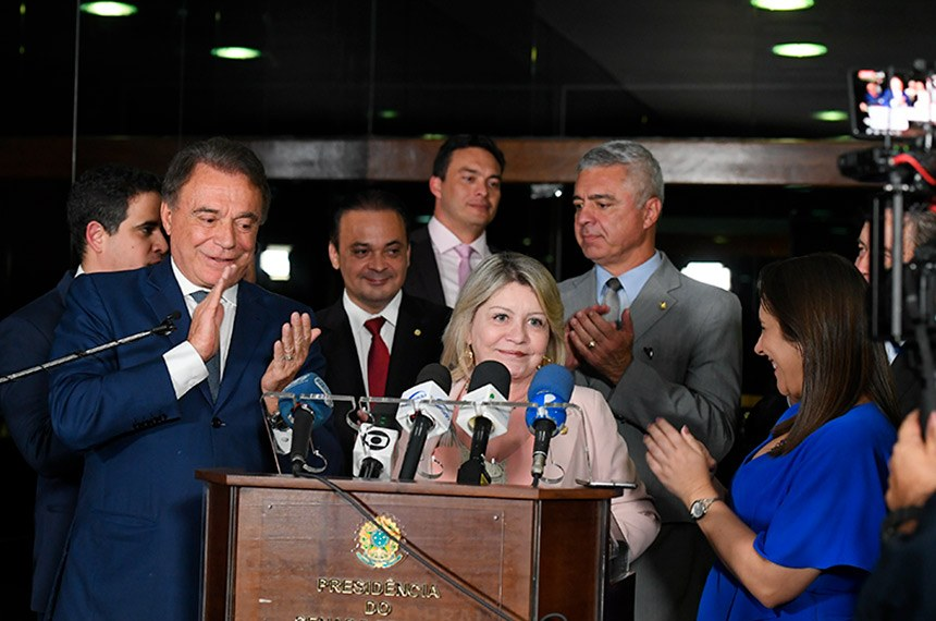 Senadora Selma Arruda (PSL-MT) concede entrevista e anuncia sua saída do PSL, e sua filiação ao Podemos.   Participam: senador Alvaro Dias (Podemos-PR); senador Major Olimpio (PSL-SP); senador Styvenson Valentim (Podemos-RN).   Foto: Roque de Sá/Agência Senado
