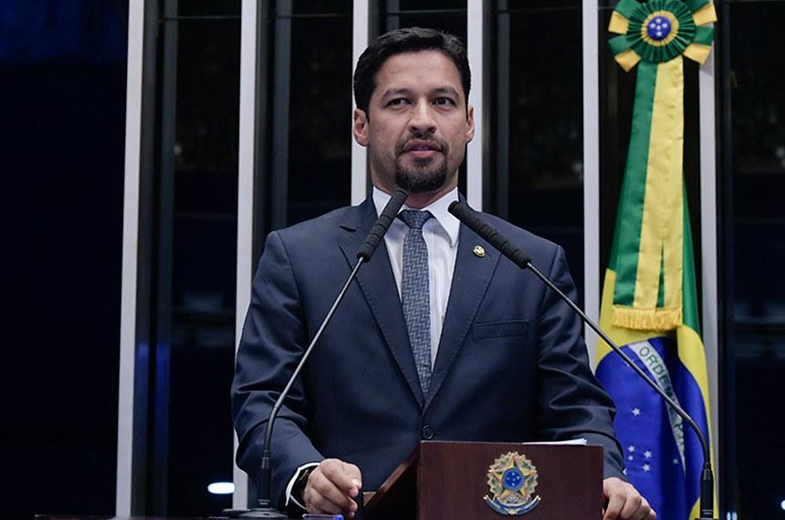 Plenário do Senado Federal durante sessão não deliberativa.   Em discurso, à tribuna, senador Rodrigo Cunha (PSDB-AL).  Foto: Waldemir Barreto/Agência Senado