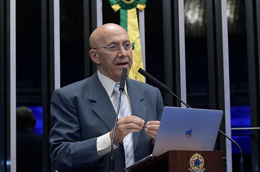 Plenário do Senado Federal durante sessão não deliberativa.   À tribuna, em discurso, senador Confúcio Moura (MDB-RO).  Foto: Waldemir Barreto/Agência Senado