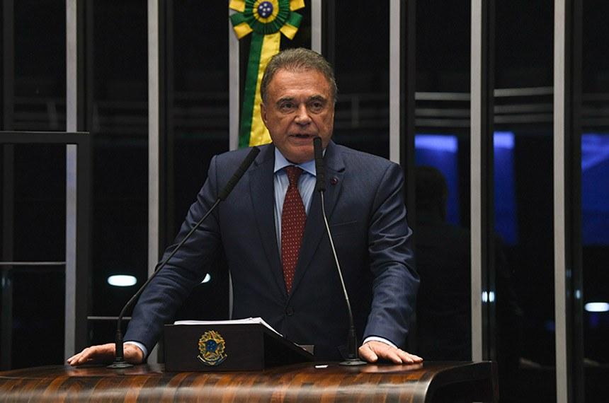 Plenário do Senado Federal durante sessão não deliberativa.   À tribuna, em discurso, senador Alvaro Dias (Podemos-PR).  Foto: Jefferson Rudy/Agência Senado