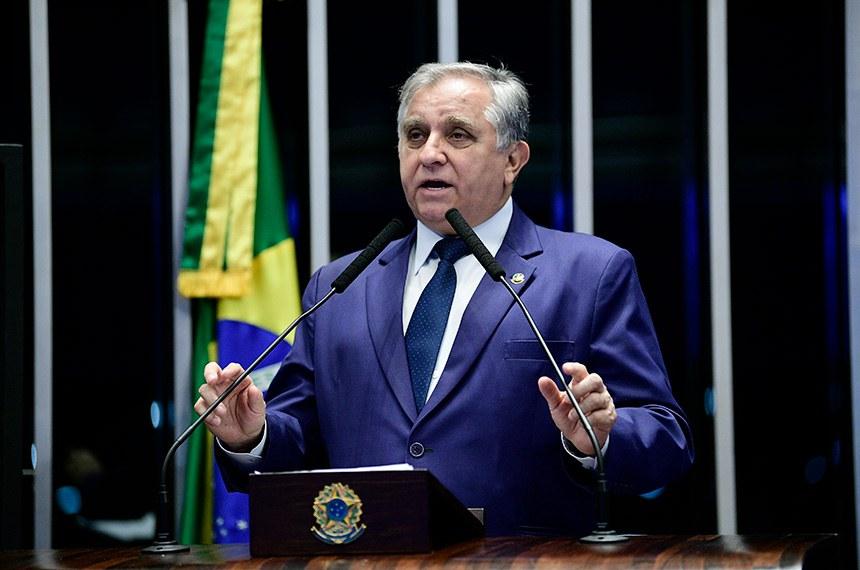 Plenário do Senado Federal durante sessão não deliberativa. Em discurso, à tribuna, senador Izalci (PSDB-DF). Foto: Pedro França/Agência Senado