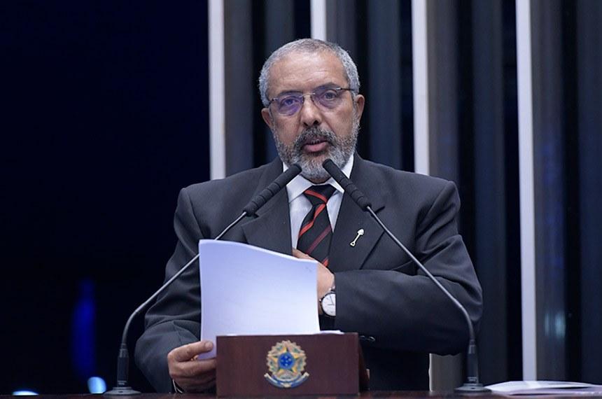 Plenário do Senado Federal durante sessão não deliberativa.   Em discurso, à tribuna, senador Paulo Paim (PT-RS).  Foto: Waldemir Barreto/Agência Senado