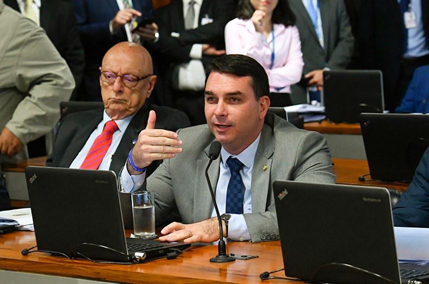 Flávio Bolsonaro defende a prorrogação do RET, mas é contra a criação de novo incentivo tributário