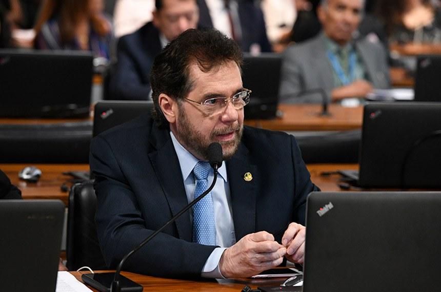 O senador Plínio Valério (PSDB-AM) é autor da proposta que garante autonomia ao Banco Central