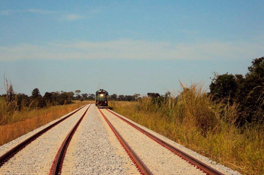 Ferrovia Norte-Sul - subtrecho Palmas/TO- Anápolis/GO.