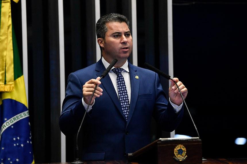 Plenário do Senado Federal durante sessão deliberativa ordinária.   À tribuna, em discurso, senador Marcos Rogério (DEM-RO).  Foto: Jefferson Rudy/Agência Senado