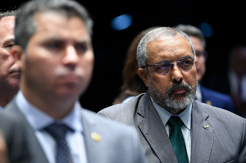Plenário do Senado Federal durante sessão deliberativa extraordinária para votar destaque à PEC 6/2019, que altera as regras para aposentadoria. Ordem do dia.  Em destaque, senador Paulo Paim (PT-RS).  Foto: Pedro França/Agência Senado