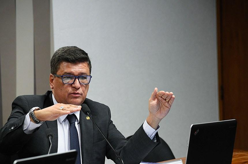 CPI de Brumadinho (CPIBRUM) realiza reunião para apresentação do relatório final.  À mesa, em pronunciamento, relator da CPIBRUM, senador Carlos Viana (PSD-MG).  Foto: Marcos Oliveira/Agência Senado