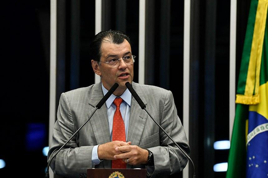 Plenário do Senado Federal durante sessão não deliberativa.   Em discurso, à tribuna, senador Eduardo Braga (MDB-AM).   Foto: Jefferson Rudy/Agência Senado
