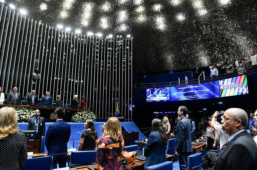 Sessão de homenagem foi iniciativa do senador Izalci Lucas (PSDB-DF)