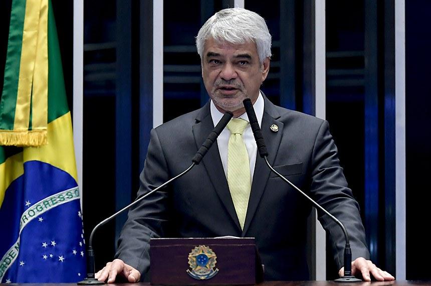 Plenário do Senado Federal durante sessão deliberativa ordinária.   À tribuna, em discurso, senador Humberto Costa (PT-PE).  Foto: Waldemir Barreto/Agência Senado