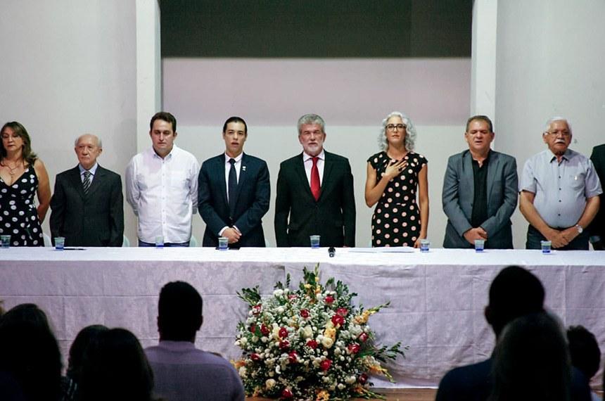 Foi inaugurada oficialmente, nesta quinta-feira (31), a TV Senado em Juazeiro do Norte e região do Cariri, no Ceará, durante a solenidade comemorativa dos 50 anos de inauguração da Estátua do Padre Cícero existente na Colina do Horto, onde também está situada a torre de transmissão da emissora.