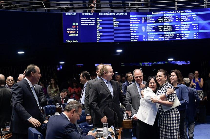 Plenário do Senado Federal durante sessão deliberativa ordinária. Ordem do dia. Participam: senadora Rose de Freitas (Podemos-ES); senadora Kátia Abreu (PDT-TO); senador Omar Aziz (PSD-AM); senador Weverton (PDT-MA); senador Fernando Bezerra Coelho (MDB-PE); senador Eduardo Gomes (MDB-TO); senador Lucas Barreto (PSD-AP). Foto: Waldemir Barreto/Agência Senado