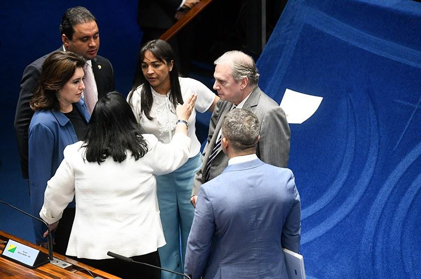 Plenário do Senado Federal durante sessão deliberativa ordinária. Ordem do dia.  Mesa: senadora Eliziane Gama (Cidadania-MA);  senadora Simone Tebet (MDB-MS);  senadora Rose de Freitas (Podemos-ES); senador Weverton (PDT-MA);  senador Tasso Jereissati (PSDB-CE).  Foto: Marcos Oliveira/Agência Senado