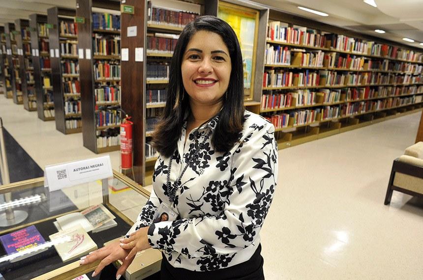 Patrícia Coelho, coordenadora da Biblioteca:  estereótipos atribuídos à cultura negra fazem parte da escrita das mulheres que figuram no boletim