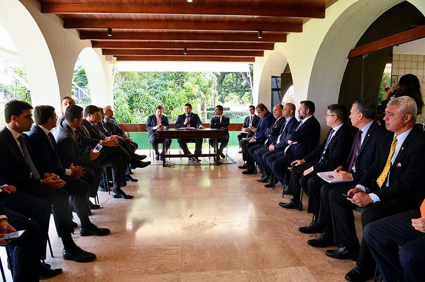 Decisão foi tomada em reunião de líderes do Senado e da Câmara com os presidentes das duas Casas e o ministro da Justiça, Sergio Moro