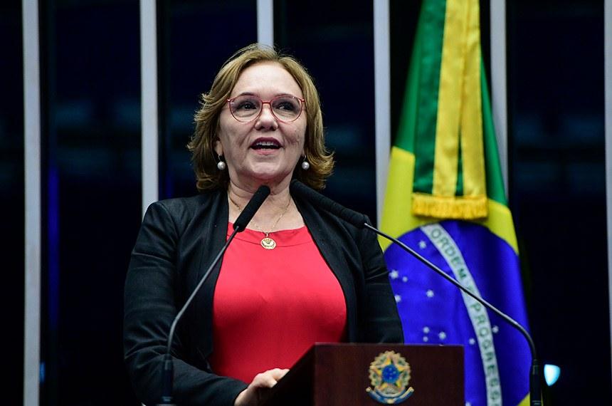 Plenário do Senado Federal durante sessão não deliberativa.   Em discurso, à tribuna, senadora Zenaide Maia (Pros-RN).  Foto: Geraldo Magela/Agência Senado