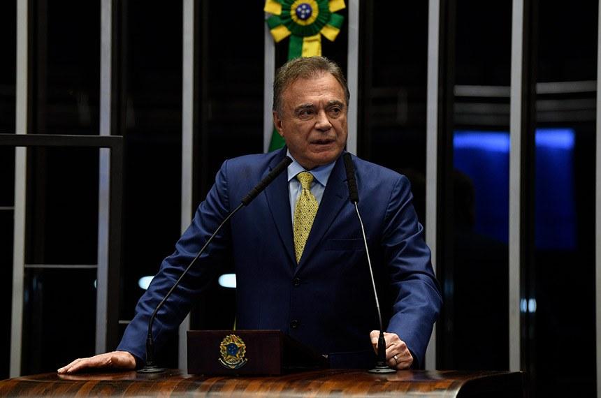 Plenário do Senado Federal durante sessão não deliberativa.   Em discurso, à tribuna, senador Alvaro Dias (Podemos-PR).  Foto: Jefferson Rudy/Agência Senado