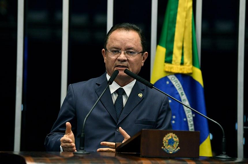 Plenário do Senado Federal durante sessão não deliberativa.   À tribuna, em discurso, senador Zequinha Marinho (PSC-PA).  Foto: Jefferson Rudy/Agência Senado