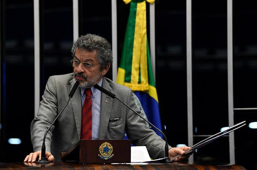Plenário do Senado Federal durante sessão não deliberativa.   Em discurso, à tribuna, senador Paulo Rocha (PT-PA).  Foto: Jefferson Rudy/Agência Senado