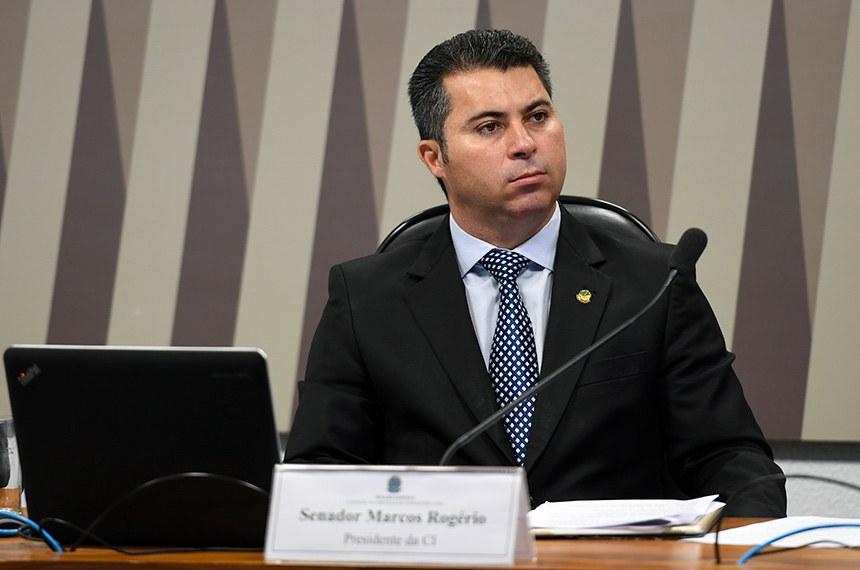 Comissão de Serviços de Infraestrutura (CI) realiza audiência pública interativa para ouvir diretores da Petrobras e da Agência Nacional do Petróleo (ANP) sobre os efeitos dos ataques às refinarias da Arábia Saudita na economia brasileira.  À mesa, presidente da CI, senador Marcos Rogério (DEM-RO).  Foto: Edilson Rodrigues/Agência Senado