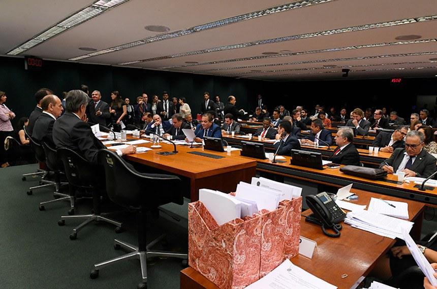 Todo os 16 relatórios setoriais devem ser votados em reuniões marcadas para terça (10) e quarta (11)