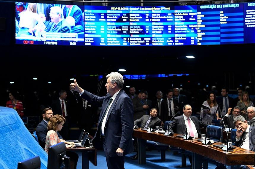 Plenário do Senado Federal durante sessão deliberativa ordinária. Ordem do dia.  Em destaque, senador Luis Carlos Heinze (PP-RS).  Foto: Jefferson Rudy/Agência Senado