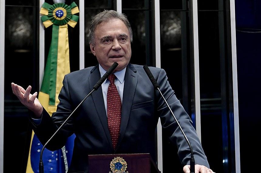 Plenário do Senado Federal durante sessão não deliberativa.   À tribuna, em discurso, senador Alvaro Dias (Podemos-PR).  Foto: Waldemir Barreto/Agência Senado