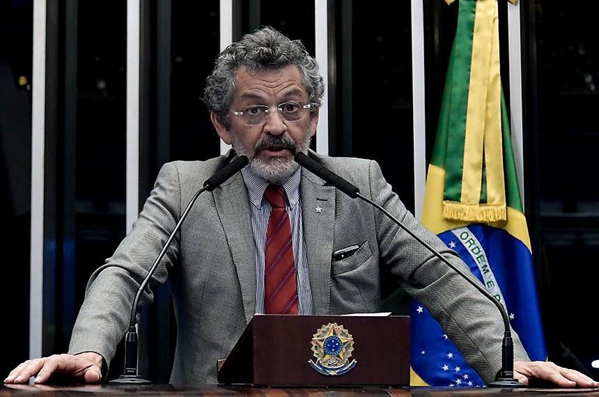 Plenário do Senado Federal durante sessão não deliberativa.   Em discurso, à tribuna, senador Paulo Rocha (PT-PA).  Foto: Waldemir Barreto/Agência Senado