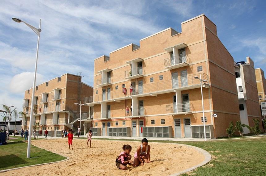 Complexo do Alemão (RJ)  Unidades habitacionais no Complexo do Alemão (RJ). Minha Casa Minha Vida.  Foto: Divulgação (agosto 2009)