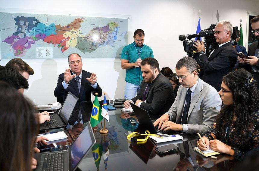 Líder do governo no Senado, senador Fernando Bezerra Coelho (MDB-PE), concede entrevista coletiva para fazer balanço do ano legislativo.  Foto: Pedro França/Agência Senado