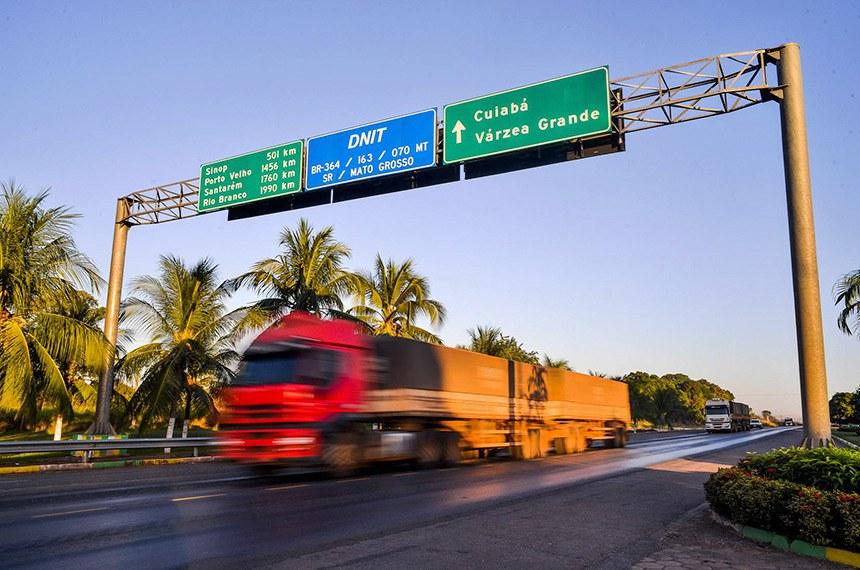Rodovia- Estradas e Transporte