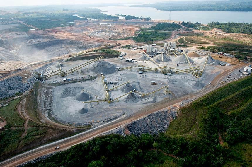 Altamira- Pará, 14/05/2013- Encontrado traços  de ouro na  usina  Belo Monte, no Pará, a existência do ouro  foi revelado nesta quinta feira (19), por Antônio Kelson Elias Filho, diretor de Construção da Norte Energia.