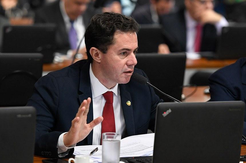 Comissão de Assuntos Econômicos (CAE) realiza sabatina de 4 indicações para o Conselho Administrativo de Defesa Econômica (Cade).  Em pronunciamento, à bancada, senador Veneziano Vital do Rêgo (PSB-PB).  Foto: Edilson Rodrigues/Agência Senado