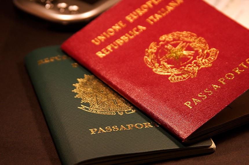 Passaporte brasileiro e Italiano. Dupla nacionalidade