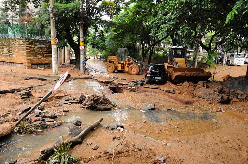 23.01.2020 Estragos causados pelas chuvas na Av. Prudente de Morais em Belo Horizonte, Minas Gerais,  Data: 29/1/2020  Foto: Adão de Souza/PBH